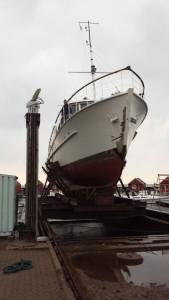 Bedding i Rødvig, 25 meter lang træbåd på bedding 04