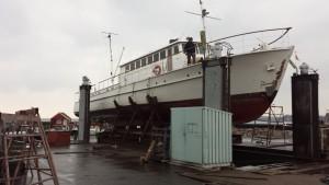 Bedding i Rødvig, 25 meter lang træbåd på bedding 05