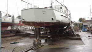 Bedding i Rødvig, 25 meter lang træbåd på bedding, masser af plads til endnu længere både.